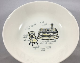 Vintage Mid Century Stetson Marcrest Gay Nineties Antique Furniture Pattern Medium Sized Bowl - Great Condition!