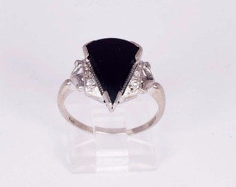 14K White Gold Black Onyx Ring, size 7.25