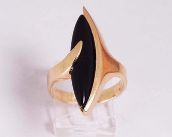 14K Yellow Gold Marquise Black Onyx Ring ,8 grams, size 9