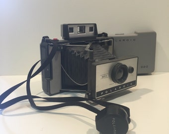 Vintage Polaroid 320 Land Camera FREE SHIPPING