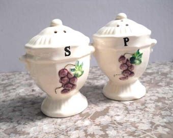 Made in Japan Grapes Salt and Pepper Shakers Vintage