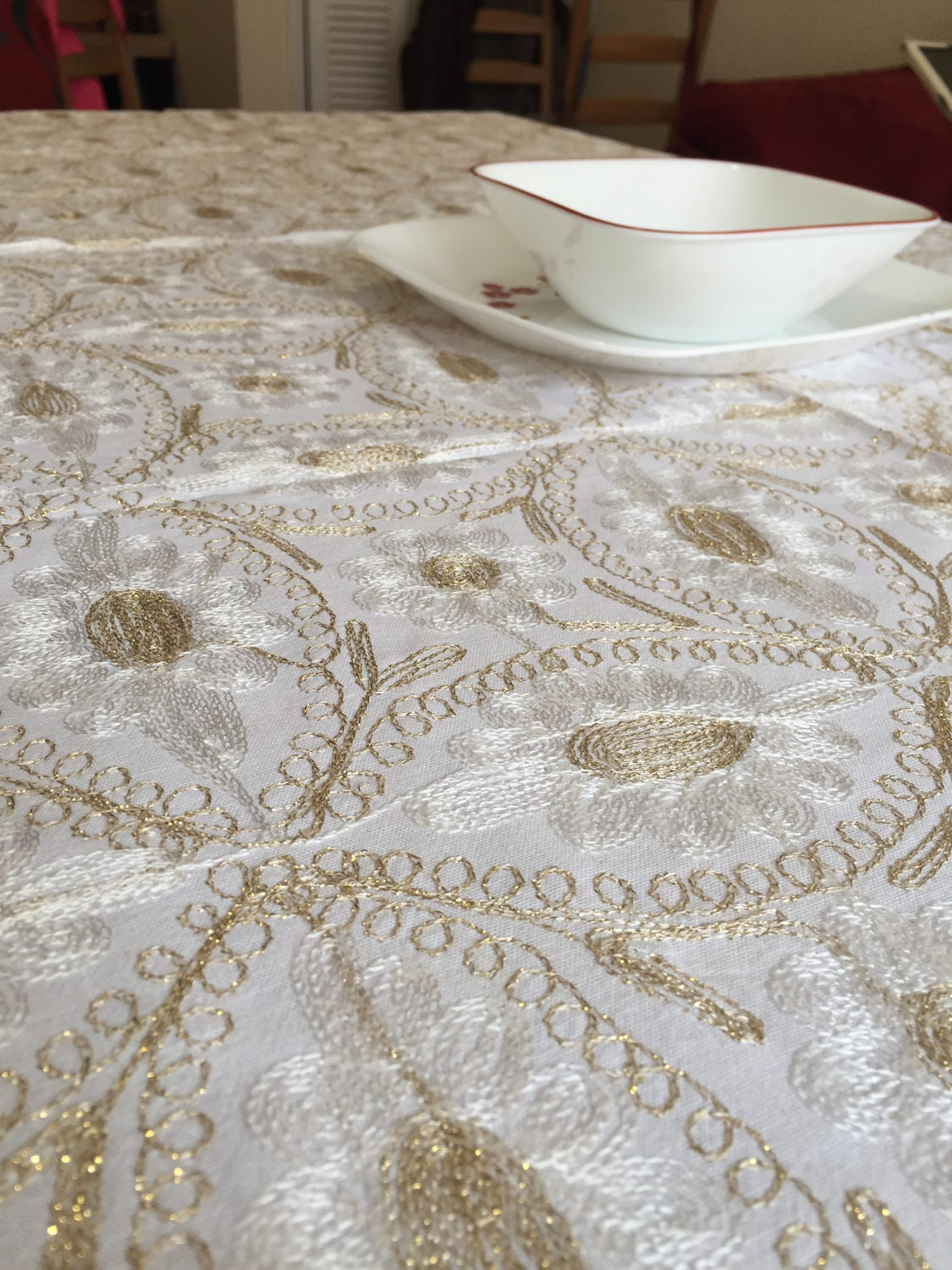 Tablecloth 80 X 60 Inches, And 8 Napkins, Aghabani Tablecloth, Embroidered White  Tablecloth, Syrian Textiles, White And Gold Tablecloth