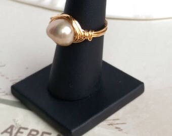 Champagne Colored Fresh Water Cultured Pearl Wire Wrapped ring uk size O.