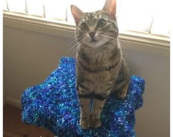Crochet Fluffy Pet Blanket (catnip optional extra)
