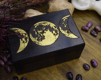 Tarot Box, Moon