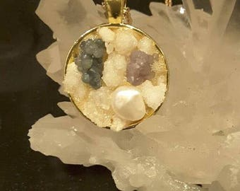 Gemstone Pendant with Pearl - Gold