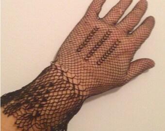 VINTAGE Fishnet Gloves