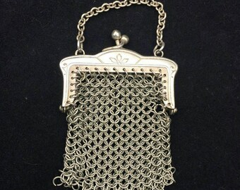 Small silver Victorian coin purse in great condition