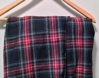 Vintage high waisted wool plaid shorts.  1970s.  Size 14.