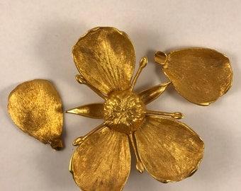 Glamorous Gold Petal Ashtray