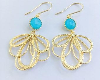 Gold Drop Earrings, Dangle Earrings, Peacock Feather Earrings, Gold Leaf Earrings, Drop Earrings, Bridesmaid Earrings, Wedding Jewelry
