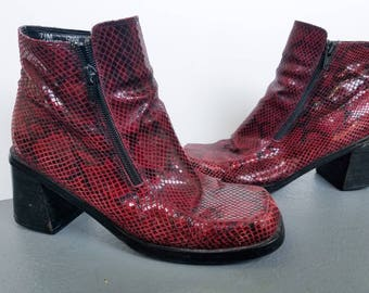 Vintage 90s Chunky Heeled Red Faux Snake Skin Boots Size 7.5