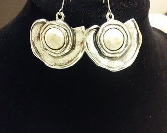 Silver plated dangle/pierced earrings with cream marble inspired inlay.