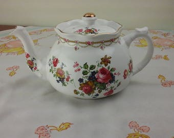 Arthur Wood and Sons, ruffled tea pot, Strafford shire England.