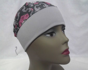 Snug fit beanie skulls with wide gray band