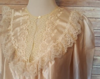 Womans Vintage Christian Dior Lingerie Night Gown Made in the USA Size Medium