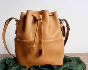 Classic Light Brown, Tan Leather Coach Purse, Drawstring Bucket Bag, Shoulder Bag, Soft Brown Leather Satchel Bag, Designer Vintage