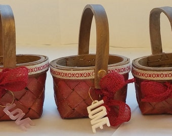 "Tiny 3"" Wooden Valentine Baskets ""LITTLE JEANIE"""
