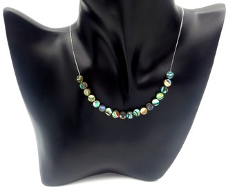 Necklace runs in Abalone of New Zealand
