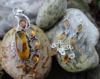 set pendant and natural citrine earrings