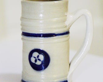 Salt Glaze Williamsburg Souvenir Mug , Blue and White Stoneware