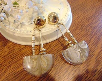Vintage Made in Italy Gold & Bakelite Cream and Tan Swirled Earrings