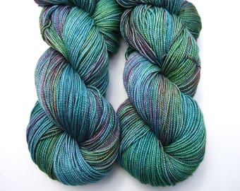 "Hand dyed yarn luxury sock weight Superwash Merino Wool, Silk ""Mallard"" High Twist, teal, green, turquoise, red, brown 100g"