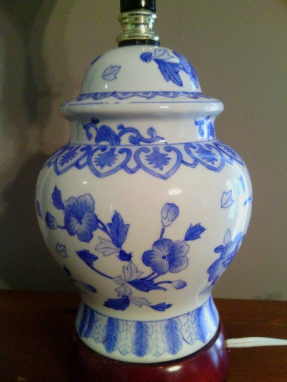 blue and white chinese asian pottery ginger jar lamp with wooden base. Black Bedroom Furniture Sets. Home Design Ideas