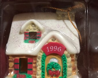 American Greetings Home for the Holidays 1996 hard to find light ornament