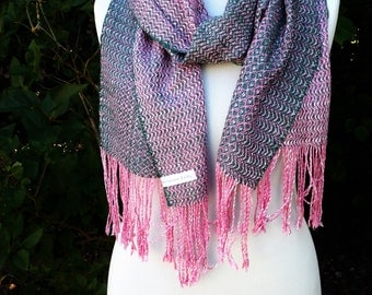 handwoven scarf out of Ahimsa-silk, rose-green
