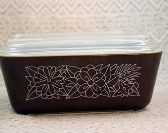 Pyrex 502, Refrigerator Dish with Lid, Woodland Pattern, Brown with White Flowers, Vintage Pyrex 502B with Lid