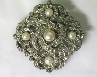 A Stunning Vintage Silver Tone Marcasite and Faux Pearl Brooch