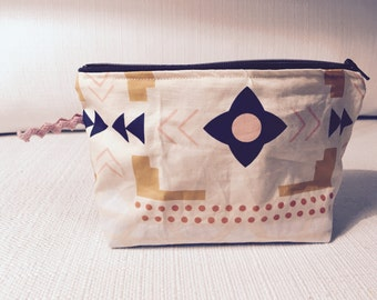 New ethnic pouch