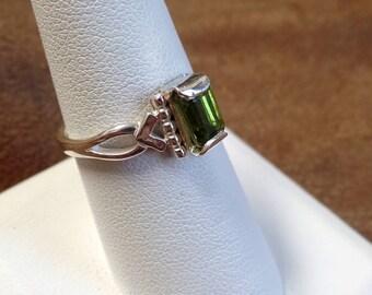 Elegant 1 Carat Peridot Ring 1222