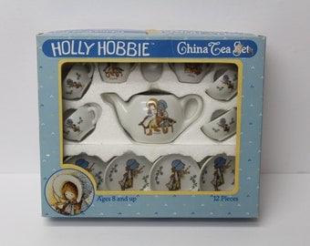 Vintage 1988 Holly Hobbie Porcelain 12 Piece Mini Tea Set