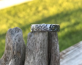Sterling silver engraved flower ring