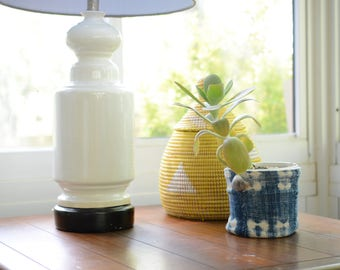 White ceramic lamp, midcentury, hollywood regency, table lamp, urn