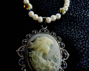 """Large Cameo Beaded 28"""" Necklace"""