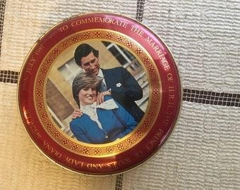 1981 prince charles & lady diana commemorative tin