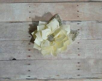 Ivory Flower Hairclip Flower Girl Hairclip, Wedding Clip, Bridal Hairclip, Rhinestone, Fascinator Bridesmaid Bridal Shower Baby