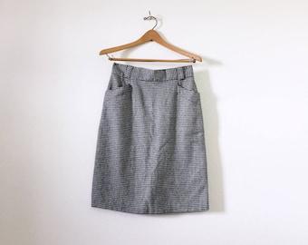 Highwaisted Houndstooth Pencil Skirt