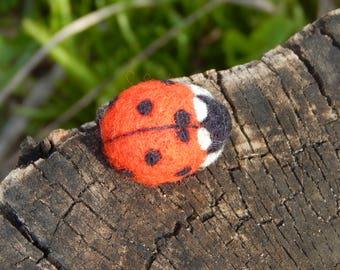 Ladybug, Handmade jewelry, woolen Brooch, Felted bug, Gift for her, Good luck Symbol, Summer beetle, Red decoration Felt Miniature