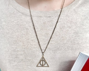 Deathly Hallows Necklace || Harry Potter Jewelry, Potter Jewellery, Geek Gifts, Unusual Gifts, Hogwarts, Gifts for Her, Gifts for Him