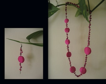Fuchsia. Necklace with pendant on silk Fuchsia.