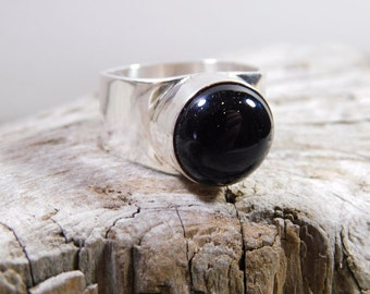 Black onyx wide band ring size 9