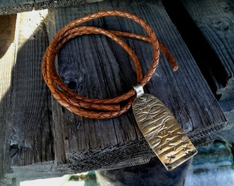 This rune amulet