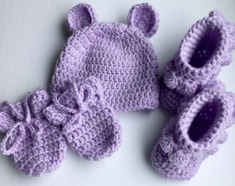 READY TO SHIP Crochet Newborn Hat, Mitts and Bootie Set