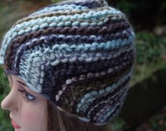 Soft Merino cap with gemstones