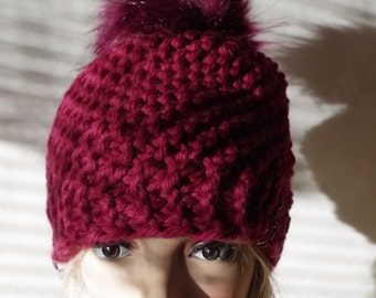 Soft Virgin wool Cap with FellBommel