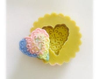 Detailed kawaii heart mold